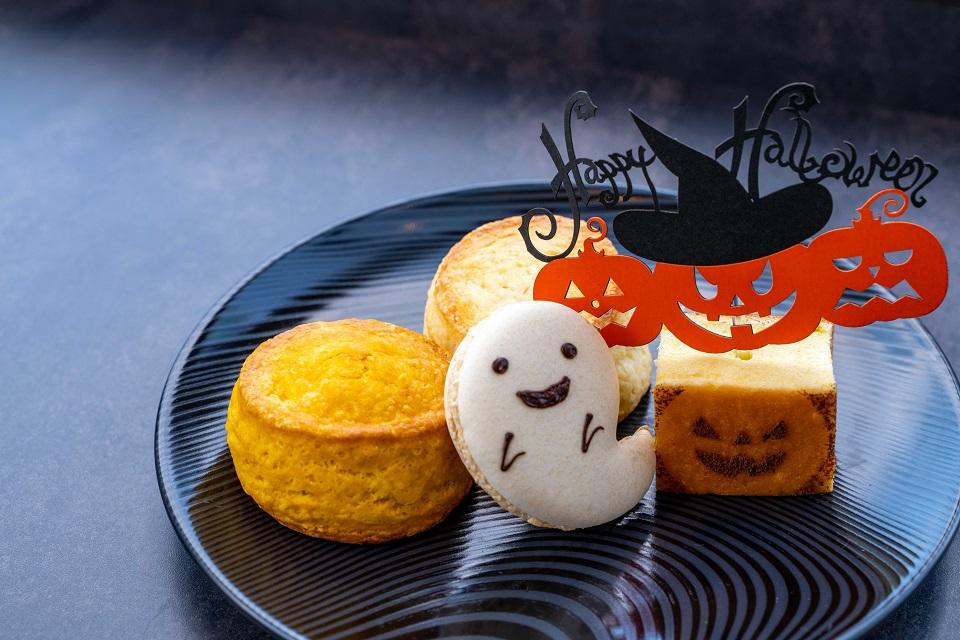 パウンドポティロン・マカロン(マロン)・スコーン(さつまいも・かぼちゃ)・ミックスベリージャム、クレームドゥーブル、はちっみつ